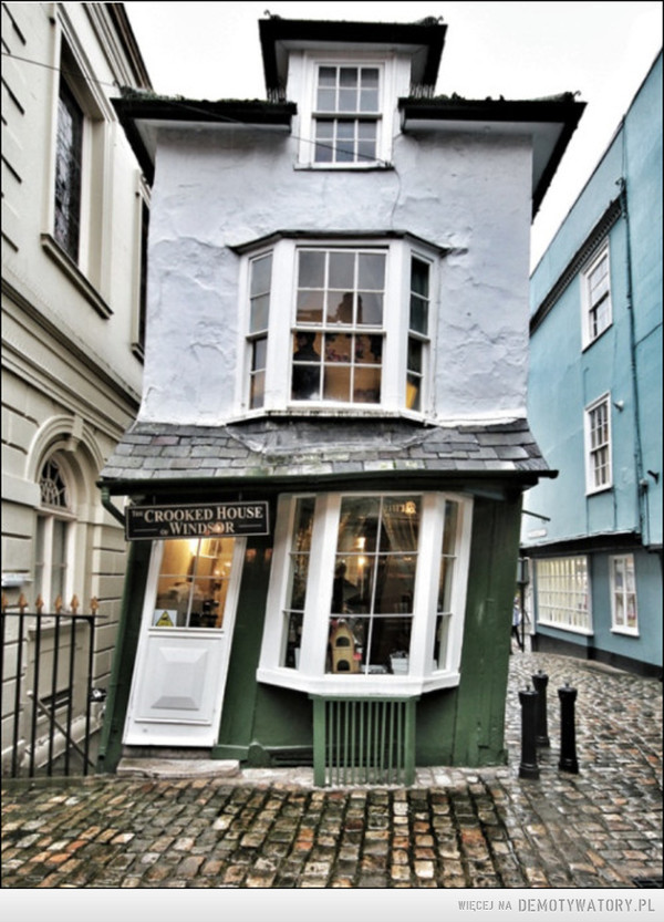 Dickensian Dandy - The crooked house Windsor London –