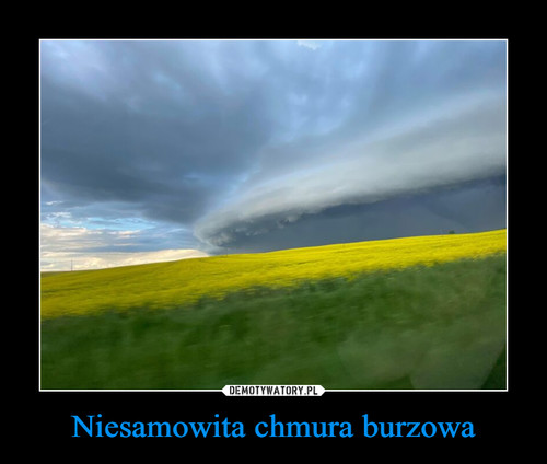 Niesamowita chmura burzowa