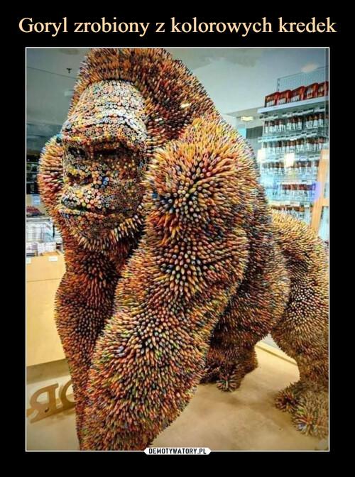 Goryl zrobiony z kolorowych kredek